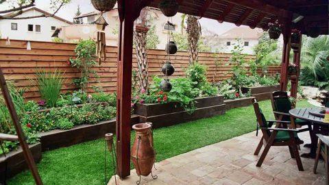 פרגולות בשילוב דשא סינטטי